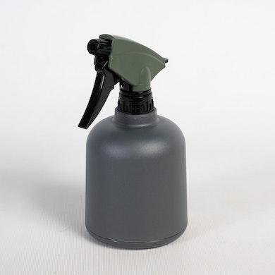 Pulvérisateur essentiel gris